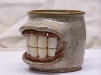 06-face mugs